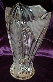 Lead crystal  Novelette II vase with frosted laurel
