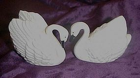 Pretty bone china white swan salt and pepper shakers