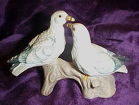 Lefton  seagulls figurine, 00225