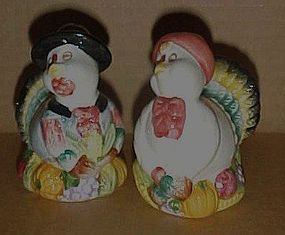 Thanksgiving turkeys salt and pepper shakers