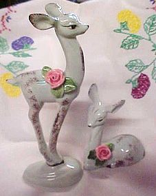 Fabuolus vintage pair of deer figurines with roses