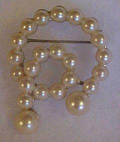 Vintage pearl pin