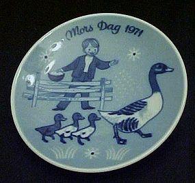 Mors Dag 1971 delft plate Porsgrunds Norway