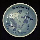 1977 Fars Dag limited Ed delft plate Porsgrunds Norway