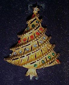 LJM gold tone Christmas tree pin with rhinestones