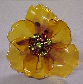 Amazing poppy pin with rhinestone center