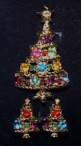 Vintage rhinestone Christmas tree pin and clip earrings