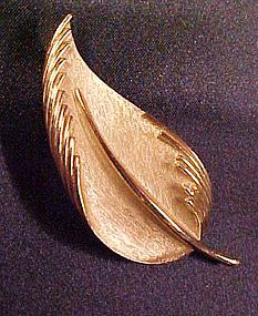 Vintage Crown Trifari Golden leaf pin