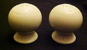 Homer Laughlin Fiesta ivory ball  salt  pepper shakers