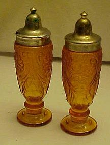 Tiara Indiana amber sandwich glass salt pepper shakers