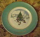 Avon 1978 Christmas plate Trimming the tree 6th issue