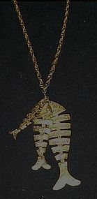 Vintage gold tone Wiggle fish Pices pendant and chain
