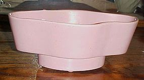 USA CALIF 936 matte pink pottery  planter