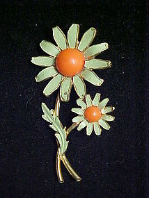Weiss green daisy flower pin 1960's