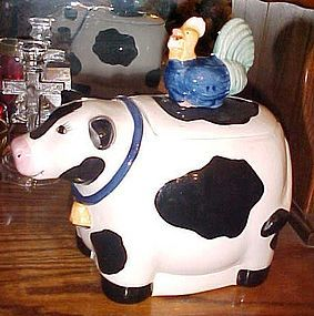 Adorable Co Co Dowley cow with rooster on back cookie jar