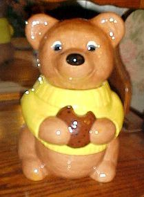 Sweet vintage  brown bear  cookie jar wearing sweater with cookie