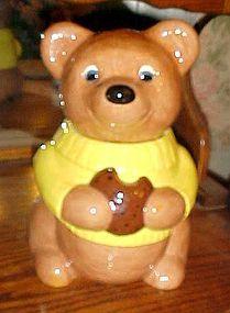 Sweet vintage  brown bear  cookie jar wearing sweater with cookie