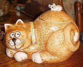 Vintage Treasure Craft sleepy kitty cat with mouse on back cookie jar