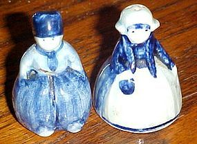 Old Delft Holland Dutch boy and girl miniature salt and pepper shakers