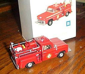 Hallmark 1965 Chevrolet Fire engine ornament lights up, in box