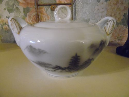 Fukagawa Arita sugar bowl and lid pattern 903 landscape Japan
