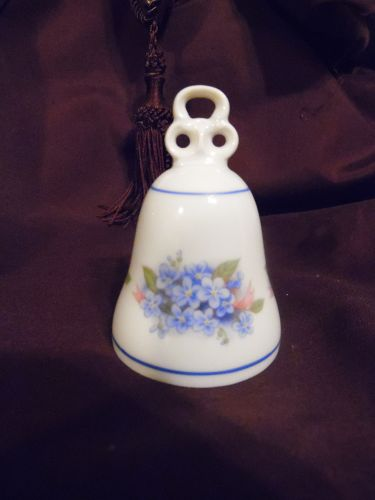 Jaeger - Bavaria, Germany Porcelain Bell