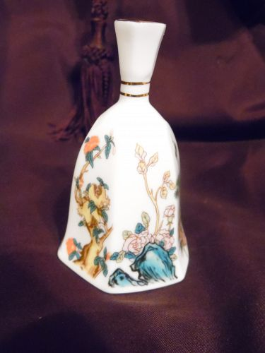 Bell Collectors club Lu Pao Taiwan  porcelain bell Asian Garden