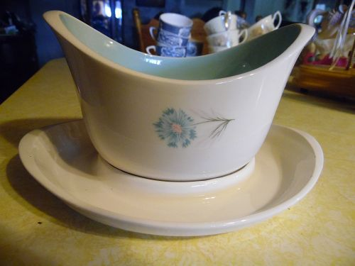 Taylor Smith & Taylor Ever Yours Boutonniere Gravy boat & underplate