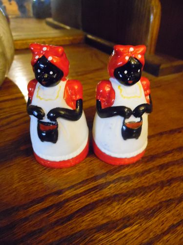 Little Black Mammy Aunt Jemima salt and pepper shakers adorable
