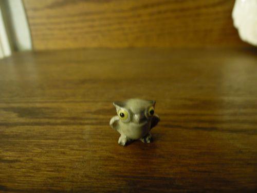 Hagen Renaker 422 Barn Owl Baby standing miniature figurine