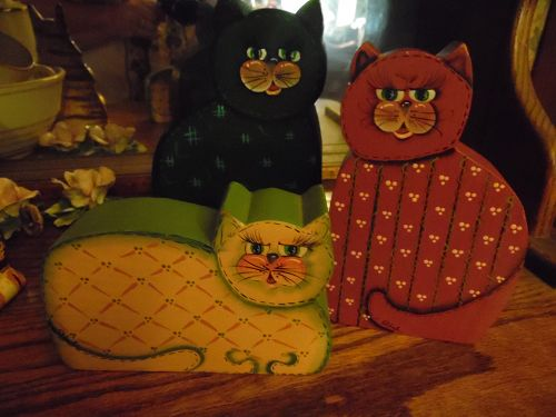 Set of 3 hand painted wood kitty cats two sided open and closed eyes