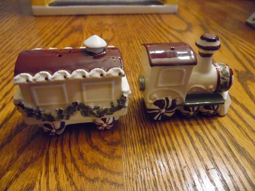 Christmas choo choo train salt and pepper shakers