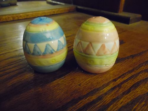 Colorful ceramic  decorated Easter Egg salt and pepper shakers