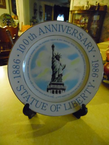"1986 9-1/8"" Commemorative 100th Anniversary Statue of Liberty Plate"