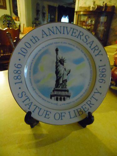 """1986 9-1/8"""" Commemorative 100th Anniversary Statue of Liberty Plate"""