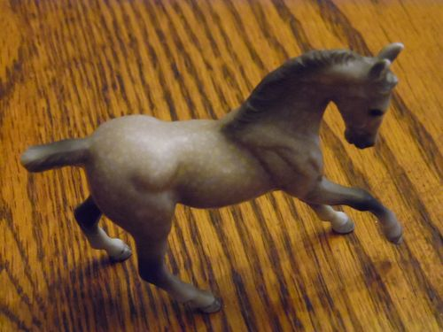 Breyer Reeves Stablemates dapple grey horse 2.5 tall