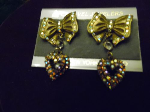 Lovely Caravel Jewelers rhinestone hearts and bows dangle earrings