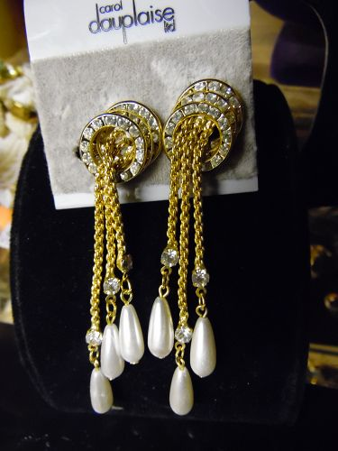 Vintage Dauplaise rhinestone and pearls drop dangle earrings