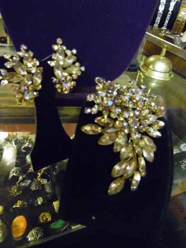 Enormous vintage champagne aurora rhinestone pin and earrings set