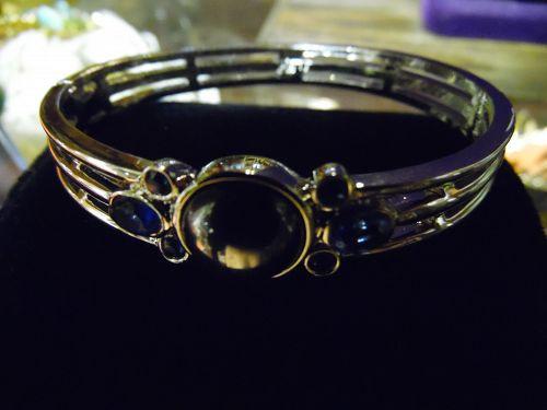 Vintage Monet silvertone bracelet hemotite and sapphire blue