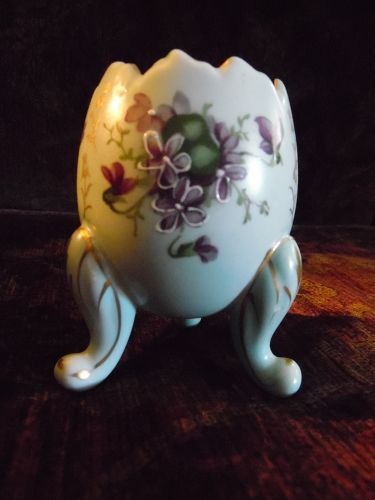 Norcrest  blue footed egg vase with violets