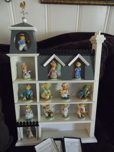 Frankilin Mint Hotel Teddington and 13 bear figures, with COA's