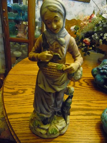 Large Vintage old lady figurine, with gathering baskets
