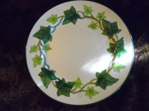 Franciscan Ivy 10 3/8 Dinner plate old semi circle backstamp