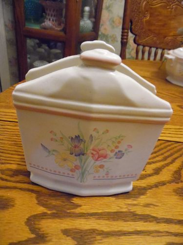 Sarma Victorian Flowers napkin Holder 1980s