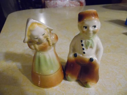 Shawnee Dutch boy and girl salt and pepper shakers