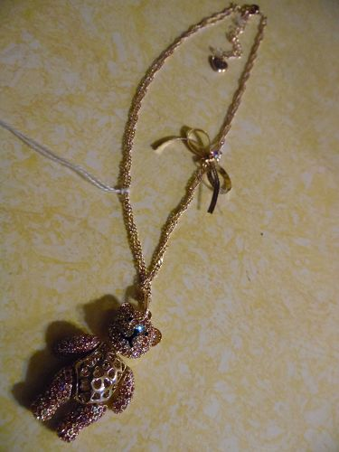 Betsey Johnson SWEET SHOP BABY BEAR Bow  Gold Tone Pendant Necklace