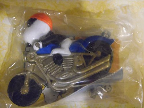 Snoopy riding motorcycle Burger King Toy mint in package