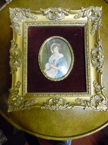 Cameo Creations 7x8  Mary by Vincent Nesbert