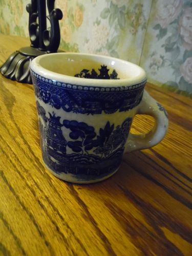 Blue Willow thick restaurant mug